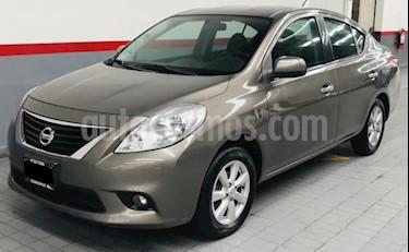 Foto Nissan Versa 4p Advance L4/1.6 Aut usado (2012) color Gris precio $124,000
