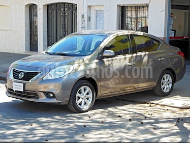 Foto venta Auto Usado Nissan Versa Advance Aut (2014) color Gris Oscuro precio $279.000