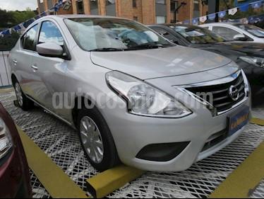 foto Nissan Versa Advance Aut usado (2017) color Plata precio $38.900.000