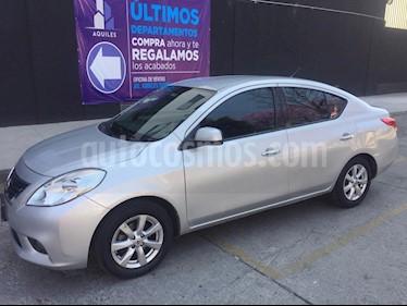 Foto Nissan Versa Advance Aut  usado (2014) color Plata precio $120,000