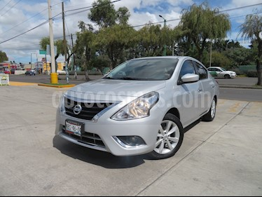 Foto venta Auto Seminuevo Nissan Versa Advance Aut (2016) color Plata precio $179,000
