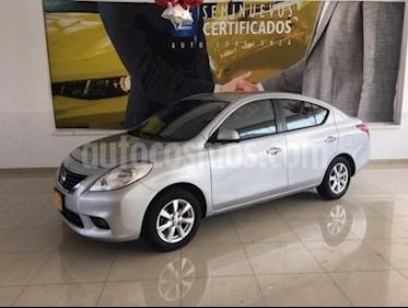 Foto venta Auto Seminuevo Nissan Versa Advance Aut (2013) color Gris precio $135,000