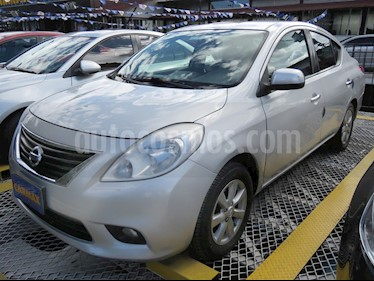 Foto venta Carro usado Nissan Versa Advance (2013) color Plata precio $30.900.000