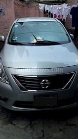 Nissan Versa Advance usado (2013) color Plata precio $105,000