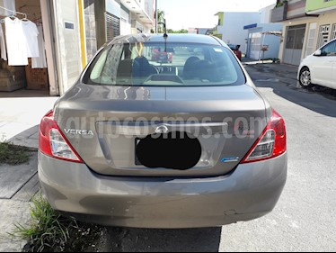 Nissan Versa Advance  usado (2012) color Acero precio $90,000