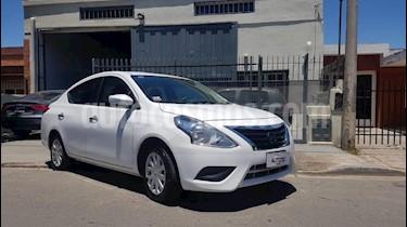 Nissan Versa Sense Aut usado (2015) color Blanco precio $600.000