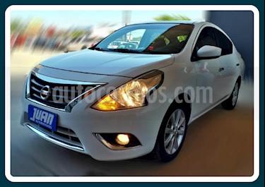 Foto Nissan Versa Advance Aut usado (2016) color Blanco precio $562.000