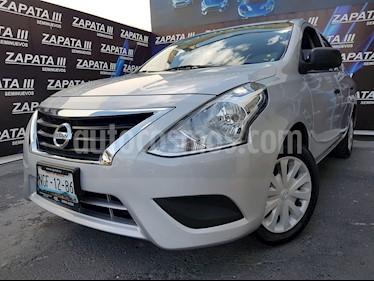 Foto Nissan Versa Drive Aut usado (2018) color Plata precio $165,000