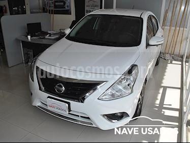 Foto venta Auto usado Nissan Versa Exclusive Aut (2016) color Blanco / Gris Urbano precio $440.000