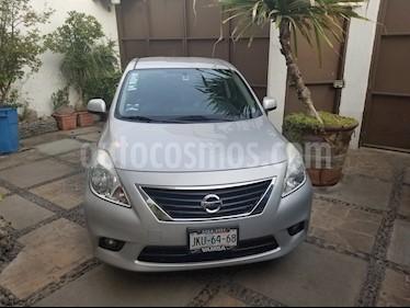 Nissan Versa Exclusive Aut  usado (2014) color Plata precio $135,000