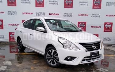 Foto Nissan Versa Exclusive Aut usado (2019) color Blanco precio $243,000