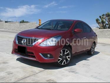 Nissan Versa Exclusive Aut usado (2018) color Rojo precio $215,000