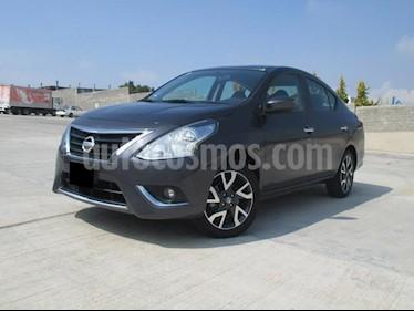 Nissan Versa Exclusive Aut usado (2017) color Gris Oscuro precio $195,000