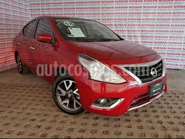 Foto Nissan Versa Exclusive NAVI Aut usado (2018) color Rojo precio $207,000