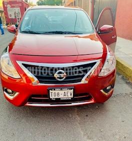 Foto Nissan Versa Exclusive NAVI Aut usado (2016) color Rojo precio $175,000