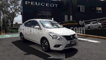 Foto Nissan Versa Exclusive NAVI Aut usado (2016) color Blanco precio $183,900