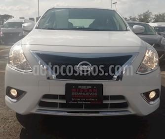Nissan Versa Exclusive NAVI Aut usado (2018) color Blanco precio $210,000
