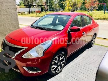 Nissan Versa Exclusive NAVI Aut usado (2015) color Rojo precio $165,000