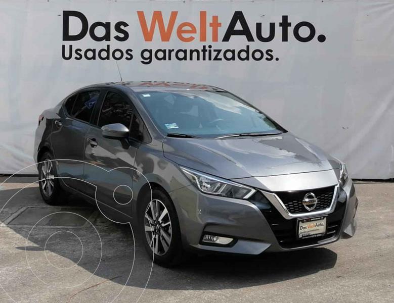 Foto Nissan Versa Advance Aut usado (2020) color Gris precio $272,000