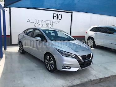 Nissan Versa Platinum Aut usado (2020) color Plata precio $289,000