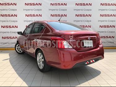 Foto Nissan Versa Advance Aut usado (2017) color Rojo precio $177,000