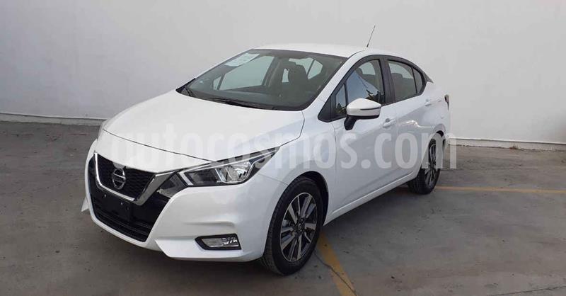 Foto Nissan Versa Advance usado (2020) color Blanco precio $239,900