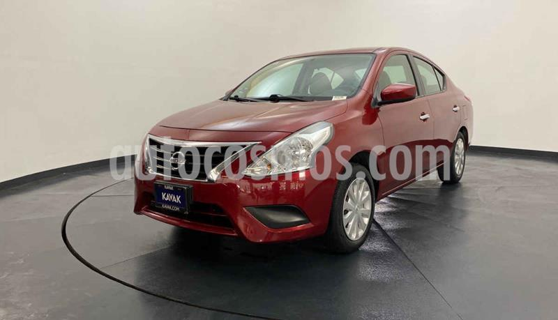Nissan Versa Sense usado (2016) color Rojo precio $142,999