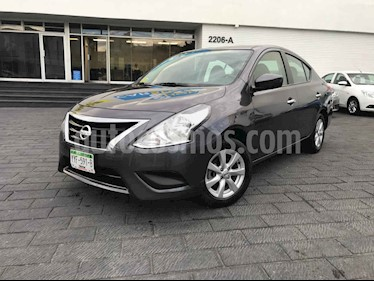 Nissan Versa 4p Sense L4/1.6 Aut usado (2019) color Gris precio $184,900