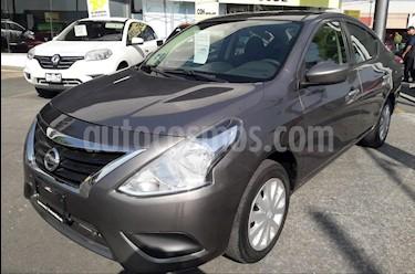 Nissan Versa Sense usado (2016) color Gris Oscuro precio $148,000