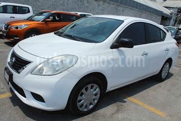 Nissan Versa 4p Sense 5vel usado (2012) color Blanco precio $99,000