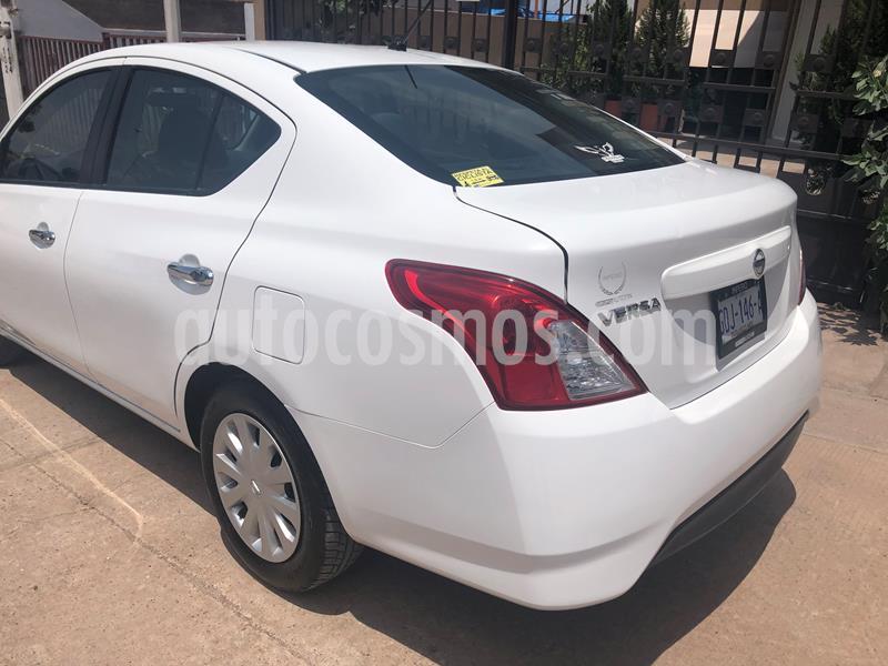 Nissan Versa Sense usado (2017) color Blanco precio $180,000