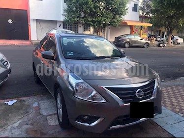 Nissan Versa Advance usado (2016) color Bronce precio $140,000