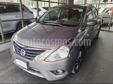 Nissan Versa Exclusive Aut  usado (2015) color Gris precio $138,000