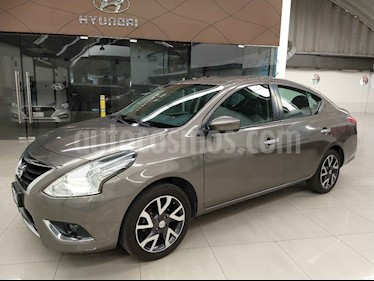 Nissan Versa 4p Exclusive L4/1.6 Aut usado (2016) color Gris precio $179,000