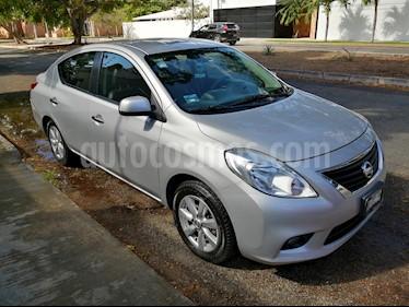 Nissan Versa Exclusive Aut usado (2013) color Plata precio $122,500