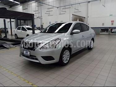 Nissan Versa Sense usado (2016) color Plata precio $145,000