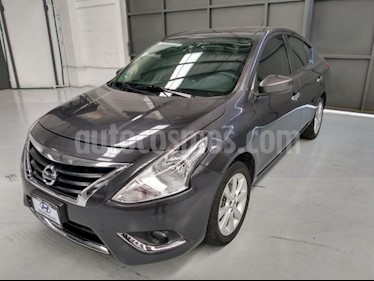 Nissan Versa 4P ADVANCE AT A/AC. VE F. NIEBLA RA-15 usado (2016) color Gris precio $170,000