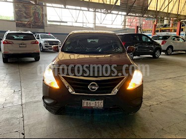 Nissan Versa Sense usado (2018) color Rojo precio $144,900