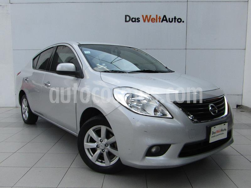 Nissan Versa Advance  usado (2014) color Plata precio $118,000