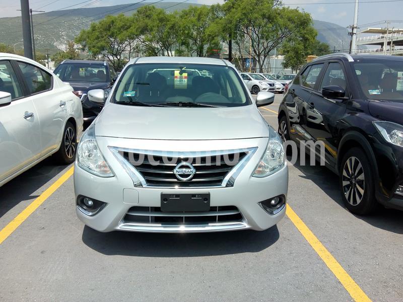 Nissan Versa Exclusive NAVI Aut usado (2019) color Plata precio $252,000