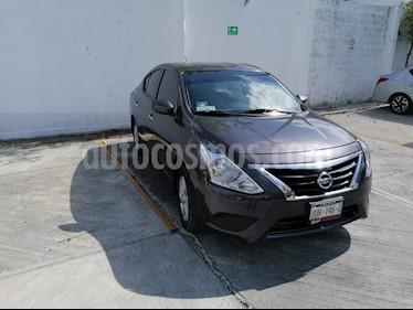 Nissan Versa Sense usado (2019) color Plata precio $185,000