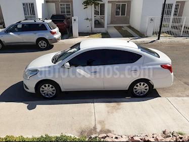 Nissan Versa Sense usado (2016) color Blanco precio $120,000
