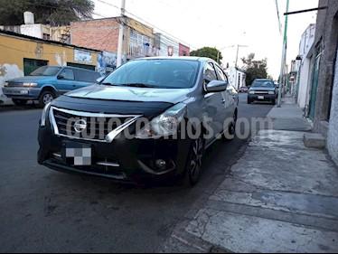 Nissan Versa Exclusive NAVI Aut usado (2016) color Plata precio $162,000