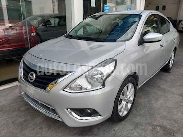 Nissan Versa Advance Aut usado (2018) color Plata precio $179,900
