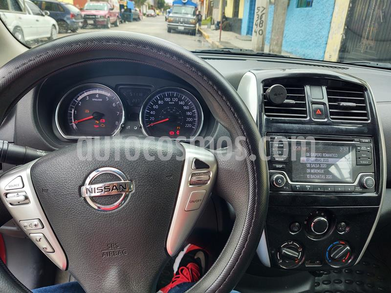 Nissan Versa Advance usado (2016) color Rojo precio $135,000
