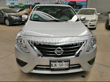 Nissan Versa Advance usado (2019) color Plata precio $205,000