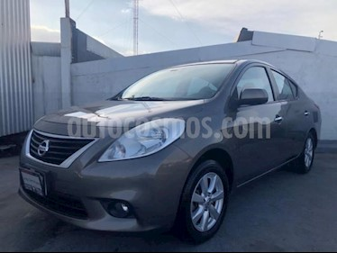 Nissan Versa 4P ADVANCE TM5 A/AC. VE F. NIEBLA RA-15 usado (2012) color Beige precio $100,000