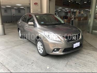 Nissan Versa Advance usado (2013) color Marron precio $120,000