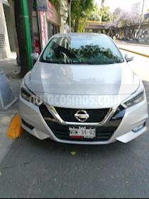 Nissan Versa Exclusive Aut usado (2020) color Plata precio $295,000