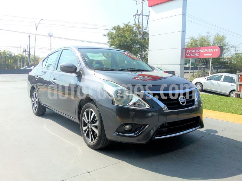 Nissan Versa Exclusive NAVI Aut usado (2019) color Gris Oscuro precio $265,000